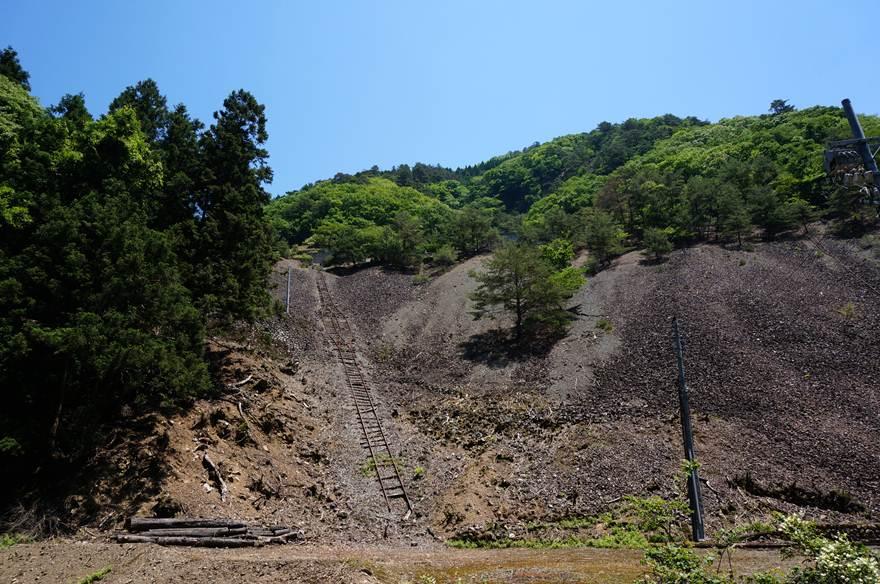 鉱石の山.JPG